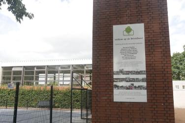 De Brink Baru (nieuwe brink) bevindt zich op de plaats waar de school ooit stond.