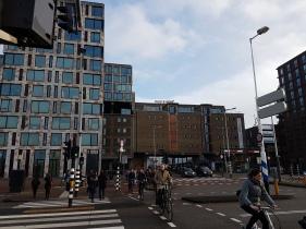 Het gebouw waar Worldconnectors is gevestigd, bij Pakhuis de Zwijger in Amsterdam. Bron: Worldconnectors, 2017.