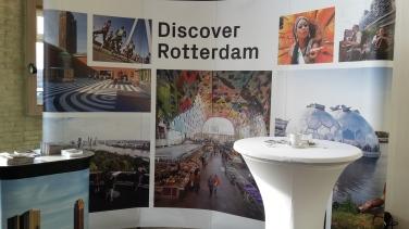 De stand van Rotterdam Partners tijdens het Cherry Lab-event in Amsterdam, een event waar ook veel social influencers op afkomen.