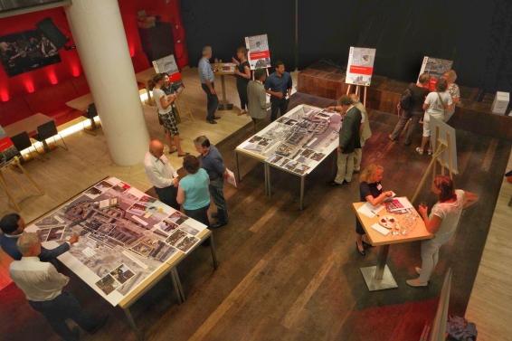 Een belangrijk onderdeel van het werk van Bureau Buhrs is omgevingscommunicatie. Bram organiseerde een bijeenkomst voor betrokkenen van het Amstelstation-Amsteloeverproject. 'Wij zorgen ervoor dat de bewoners worden betrokken in dat proces.'