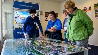 Jasper aan het werk op één van de bijeenkomsten op het Marineterrein in Amsterdam. Bron: Inbo.