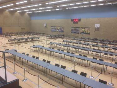 De sporthal wordt klaargemaakt voor het hertellen van de uitgebrachte stemmen voor de gemeenteraadsverkiezingen. 'Uiteindelijk bleek de hertelling daadwerkelijk een verschil te maken voor de verdeling van de zetels.'