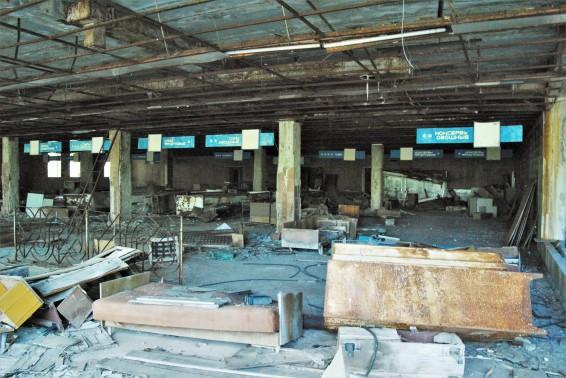 Een fabriekshal in de verlaten stad Pripjat. Foto: Jessy Burgers.